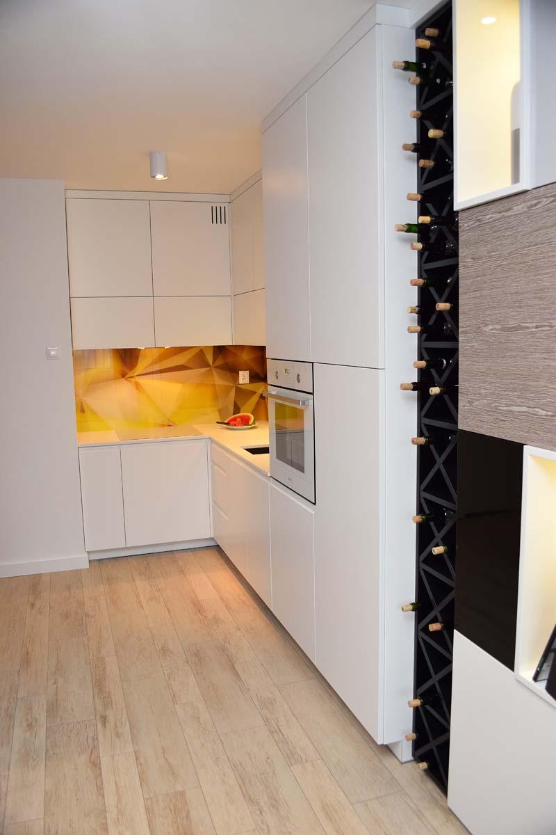 Projekt wnętrz kuchni w mieszkaniu pokazowym w Bydgoszczy