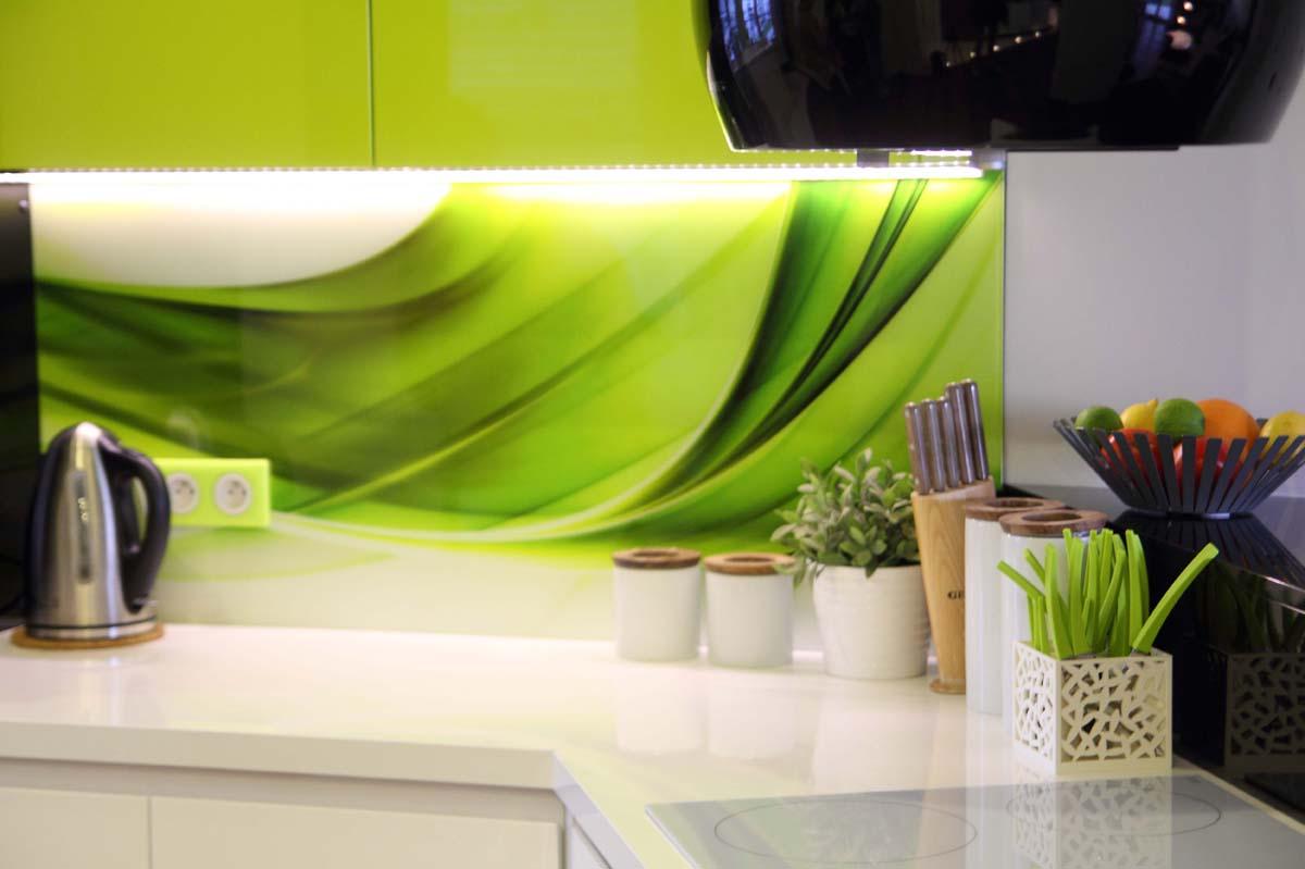 Grafika na szkle oraz system podświetlenia blatu LED