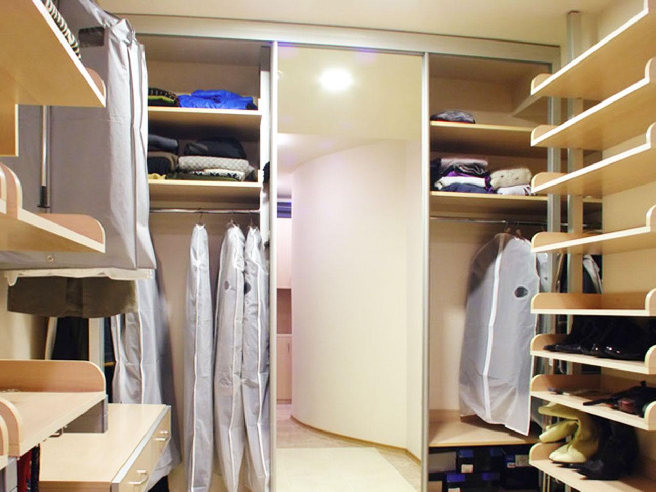 Гардеробные шкафы-купе на заказ встроенный или угловой шкаф-.