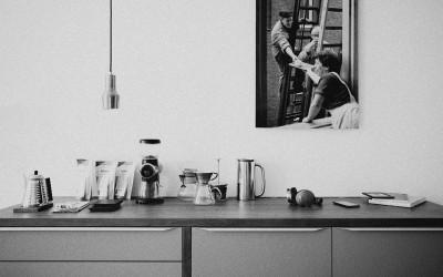 Co naprawdę wpływa na cenę mebli kuchennych na wymiar?