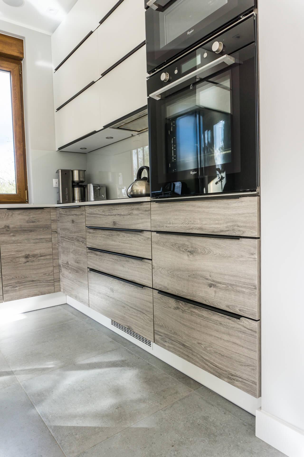 Zabudowa kuchenna w domu jednorodzinnym w Bydgoszczy
