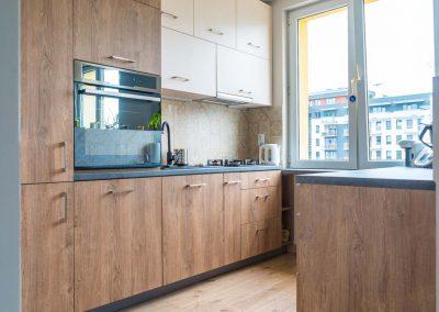 Meble kuchenne w drewnianym designie