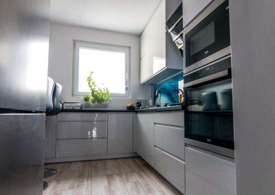 nowoczesna-kuchnia-w-sarosciach-mobilani-001